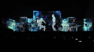 Поражающая история любви на бухарестском Дворце Парламента
