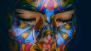 Лицо девушки с удивительным 3D mapping