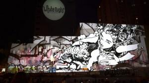 Бесподобный симбиоз уличного граффити и видеомэппинга